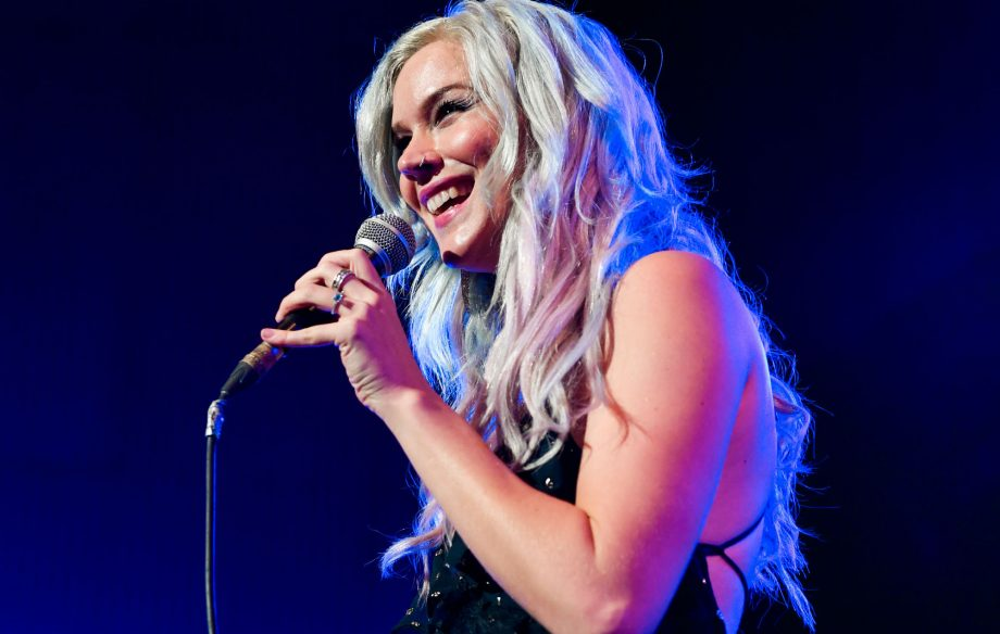 joss stone deported from