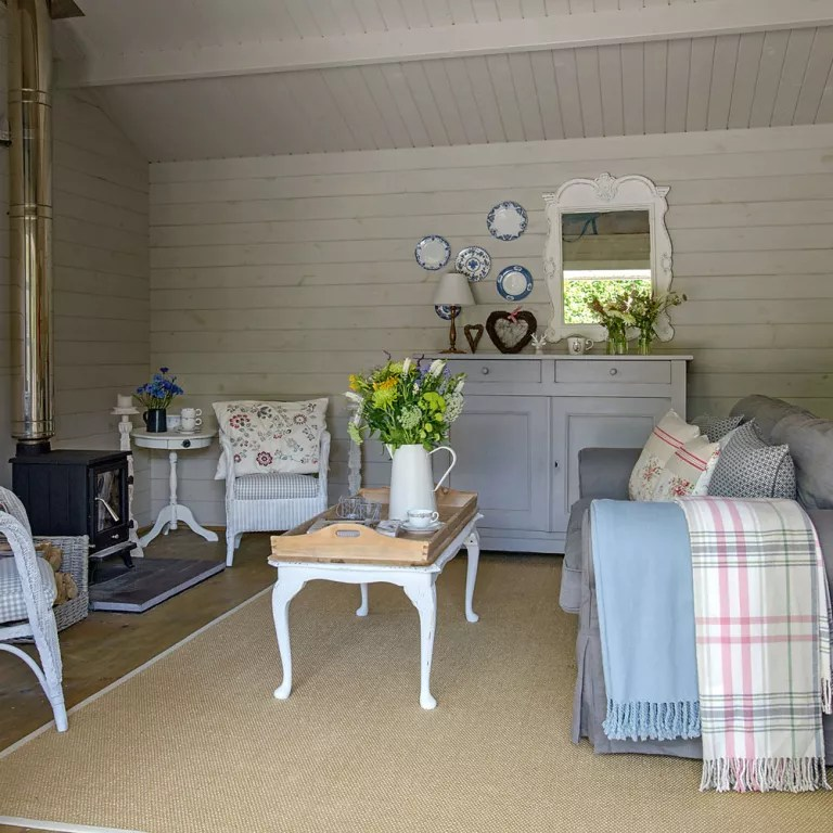 log home living room decorating ideas best blue paint cabin ideal keep the scheme authentic and elegant with country furniture install a burner to enjoy your all year round