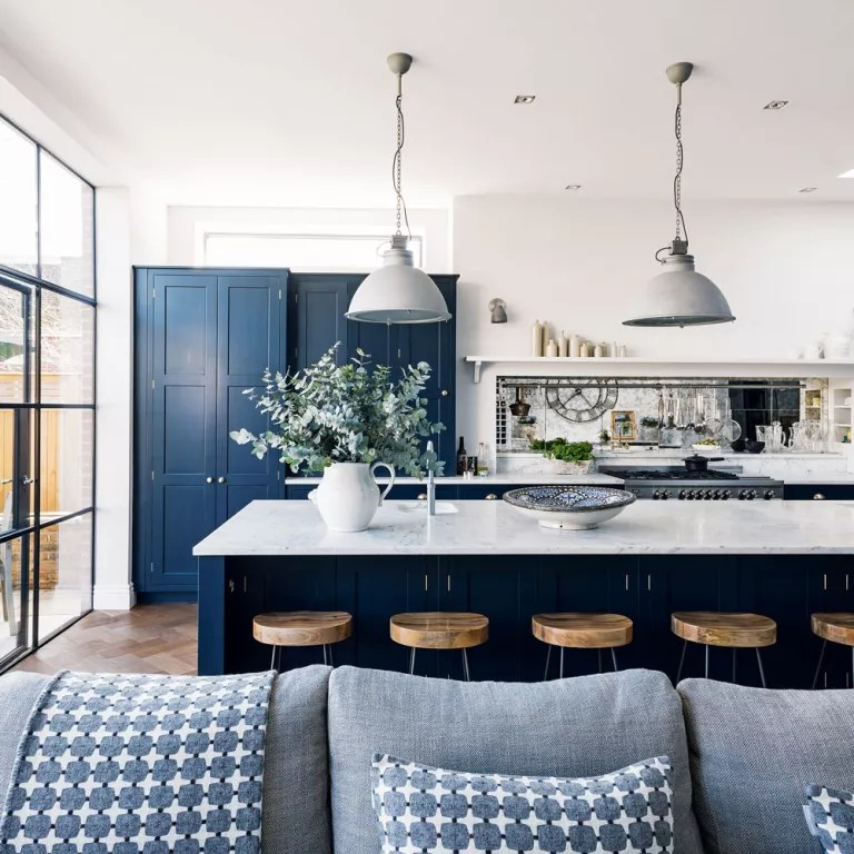 navy blue kitchen decor cafe themed ideas kitchens that look cool and stylish