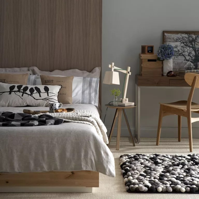 Wood And White Bedroom Furniture