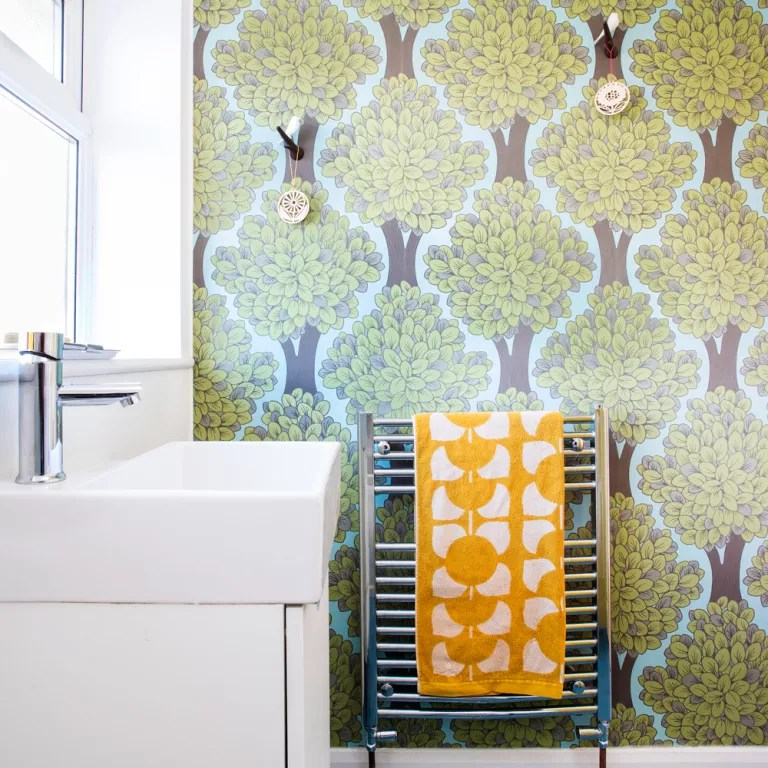 wallpaper for kitchen electric appliances small bathroom ideas decorating on a budget cloakroom