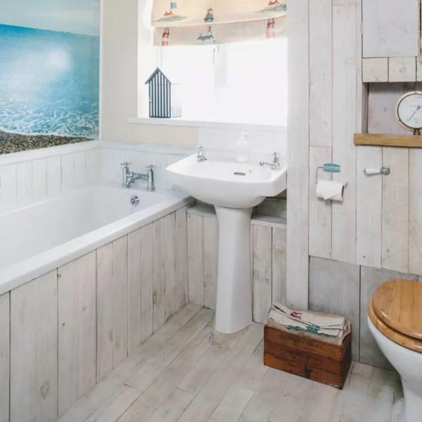 Coastal Small Bathroom Tile Ideas