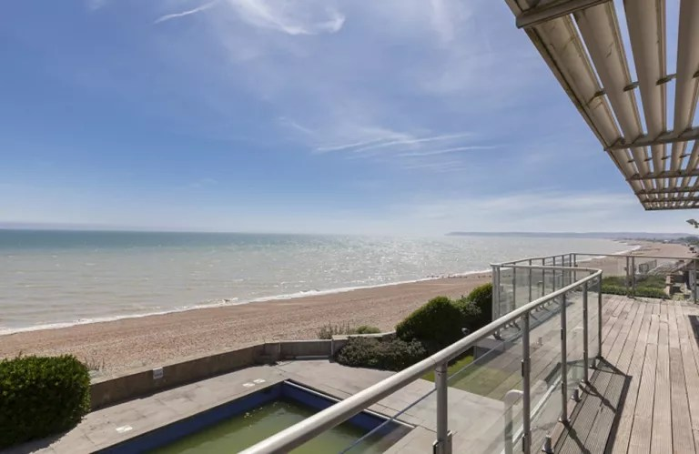 Graham Nortons house in BexhillonSea is for sale  and