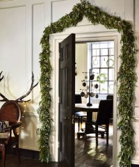 Christmas hallway decorating ideas to impress your guests ...
