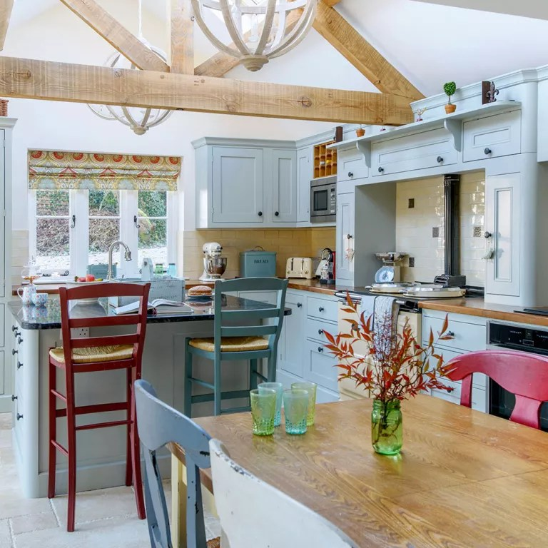 Take A Tour Of A Cotswolds Cottage With Added Stateside