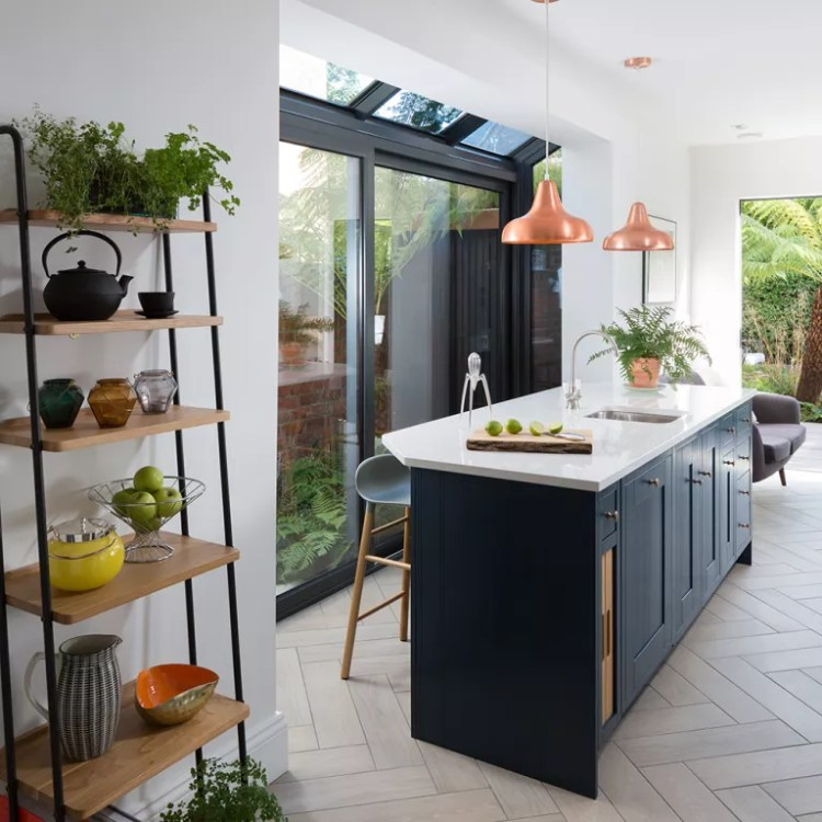 Navy-kitchen-makeover-with-mini-side-return-extension-3