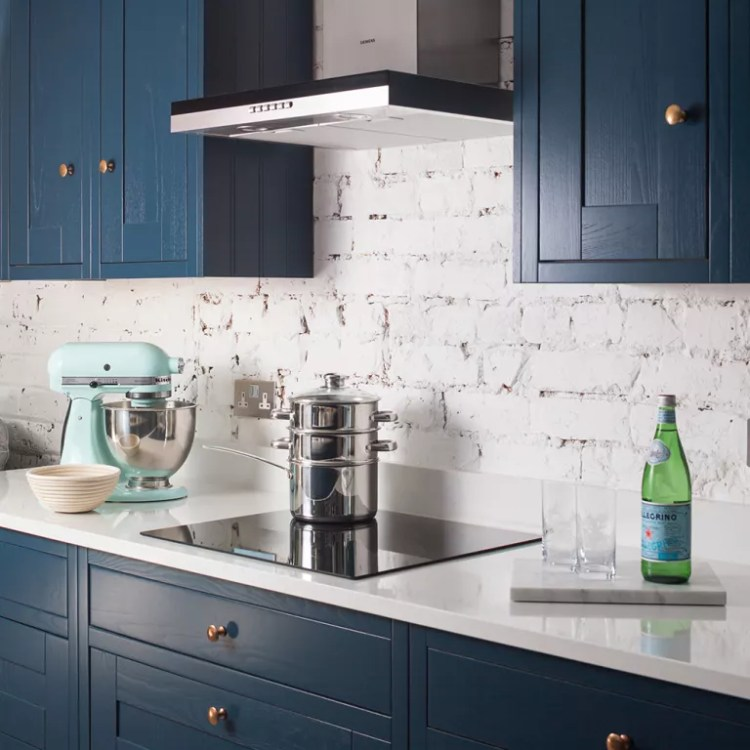 Navy-kitchen-makeover-with-mini-side-return-extension-5
