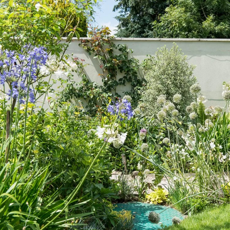 Split-level-garden-makeover-with-plant-packed-borders-15
