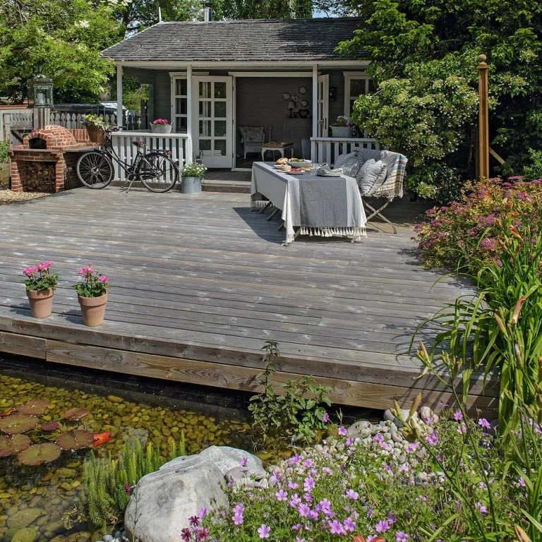 garden decking ideas and designs for plots both large and small