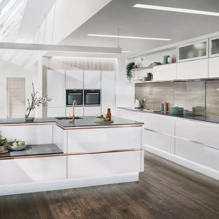 Modern kitchen ideas   cook up a storm in a contemporary space