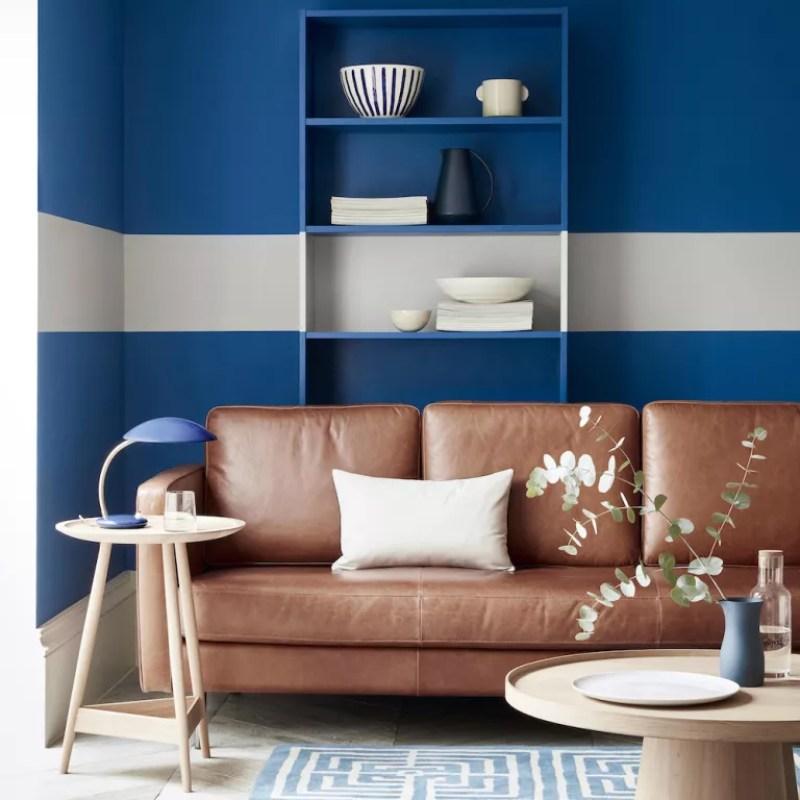 WAYS WITH PAINT - living room shelf stripe