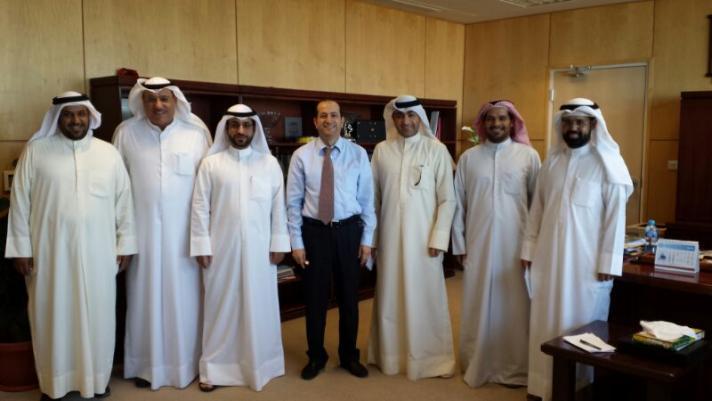 مهندسي لجنة الشؤون البيئية يقومون بزيارة مستشفى الامراض الصدرية