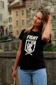Sport Casual t-shirt fashion lookbook girl street style image