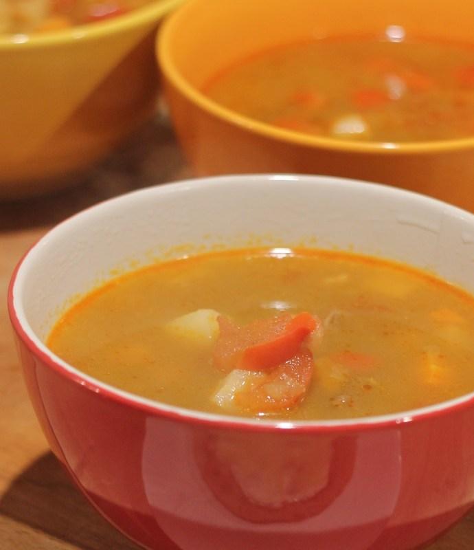 Węgierska zupa gulaszowa –  Gulyásleves