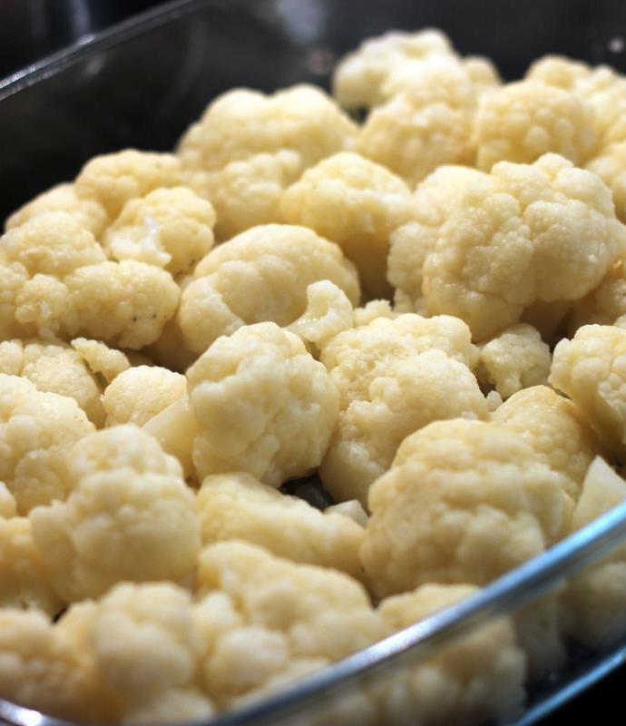 Kalafior zapiekany w sosie beszamelowym – Cauliflower cheese