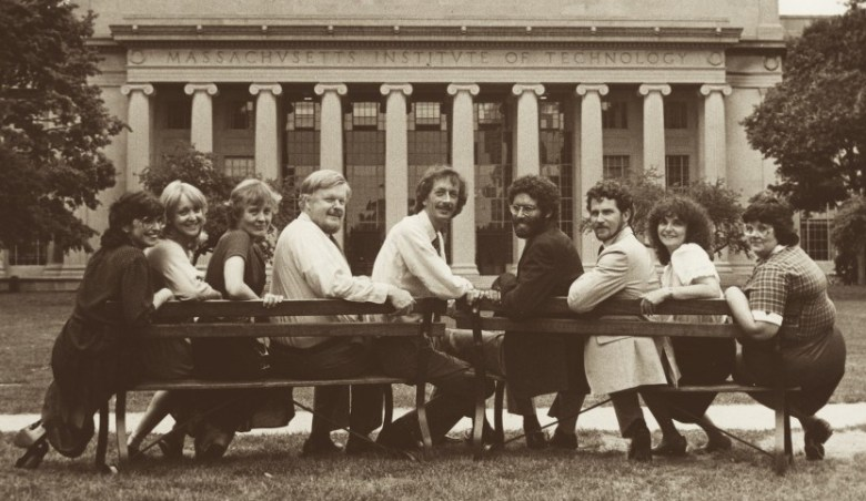 The inaugural class of Knight Science Journalism Fellows @MIT, shown with founding director Victor McElheny, fourth from left. (Photo: KSJ@MIT archives)