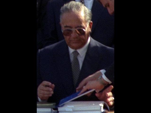 Абдельсалам аль-Маджали во время подписания договора между Израилем и Иорданией. 26 октября 1994 г. Photo: ISRAELI TSVIKA