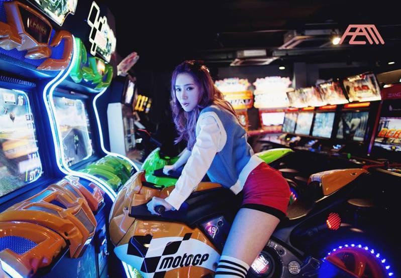 AZM - Sung Eun Ji