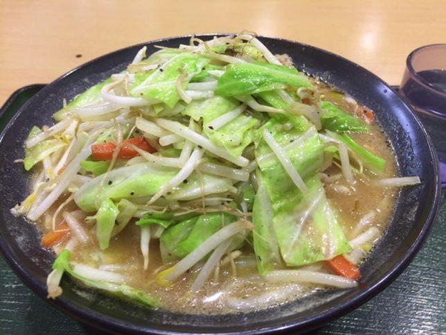 情熱食堂で、炒め野菜ラーメン大盛 1.2kg !