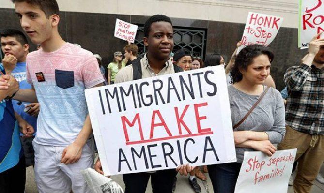 Report finds immigrants are key to Arizona's economy