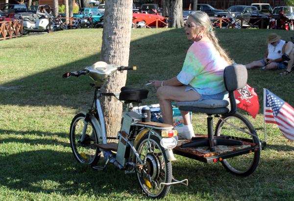 Sarasota Slim, Happenings in Old Homosassa