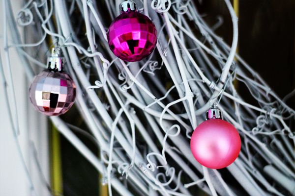 pink bulbs, I'm dreaming of a pink Christmas
