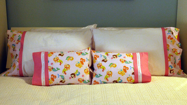 DIY Pillow Case for Small Pillow, Adorable Pillow Case with Timeless Treasures fabric and Kaufman Essex Linen
