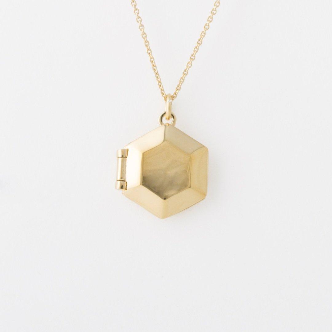 Gold_Locket1-3.jpg