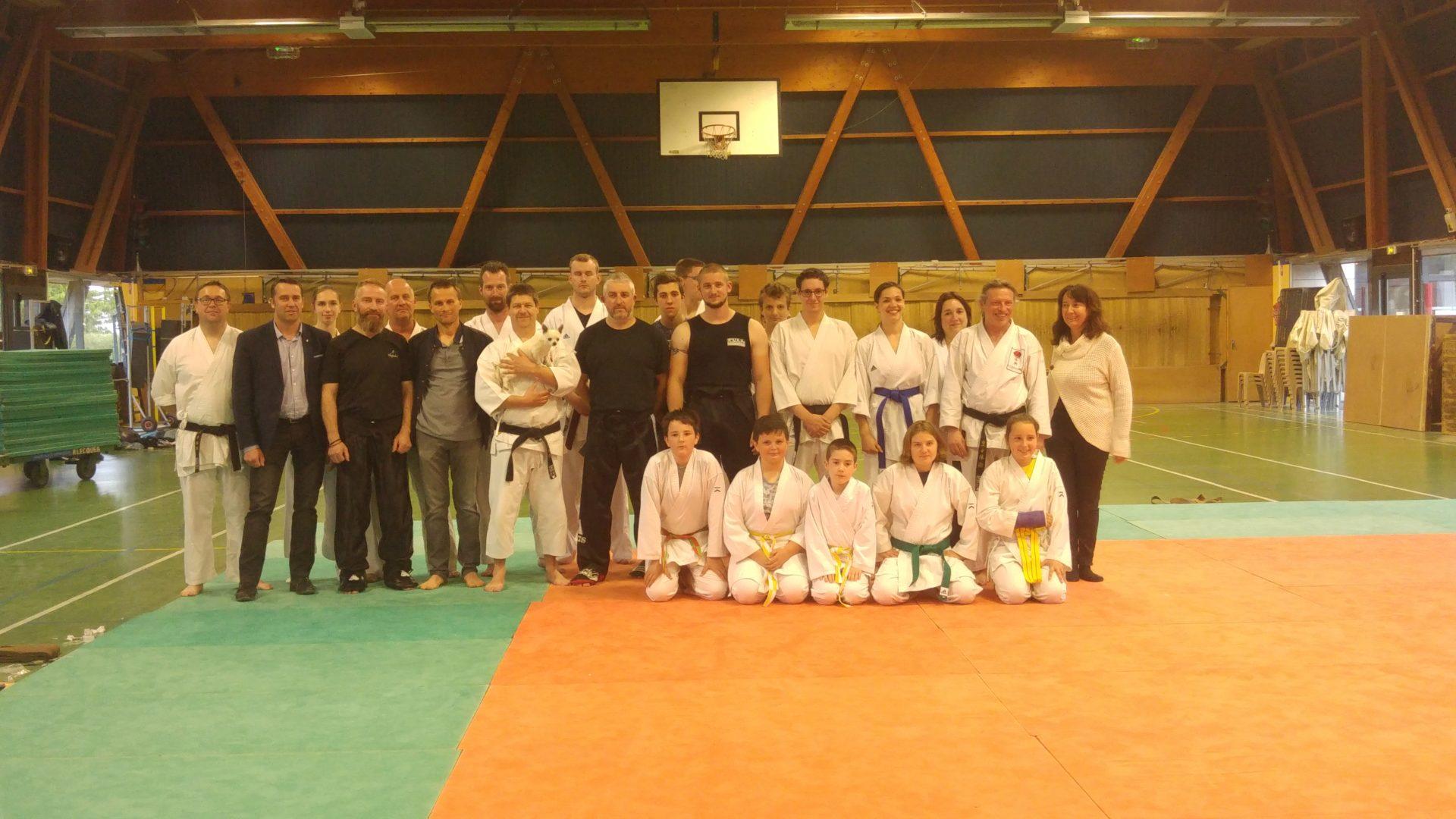 Photo de groupe des passages de grade karate eperlecques 2019