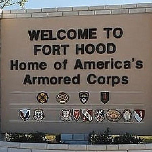 fort-hood-sign