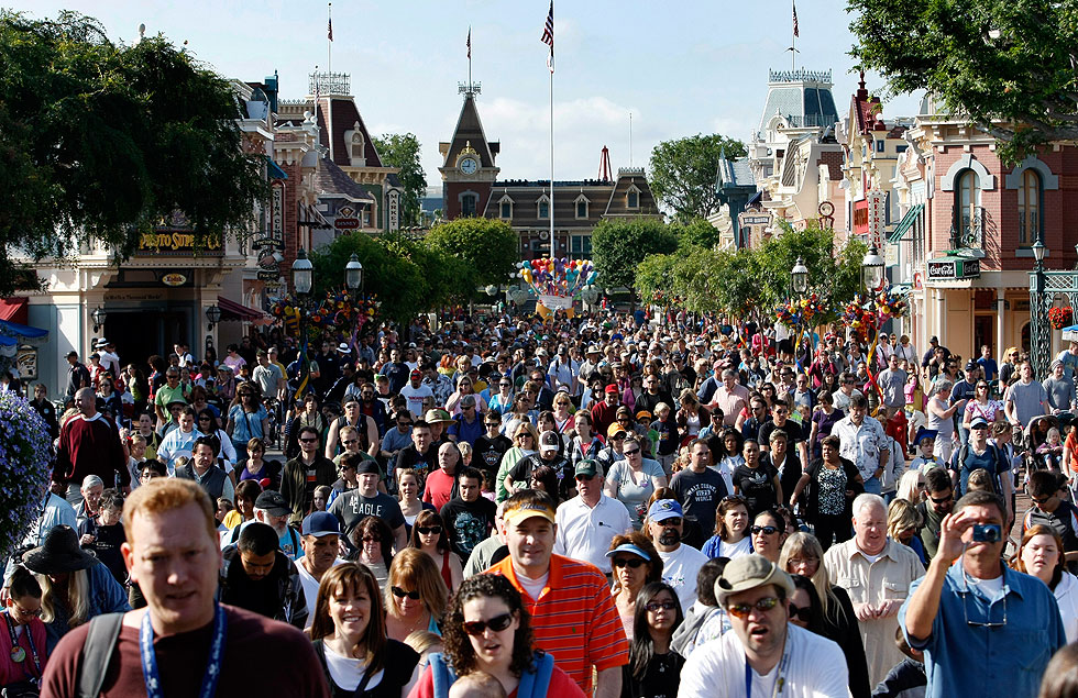 Throngs of visitors travel down Disneyland's Main Street USA in this file photo. (Credit: Allen J. Schaben / Los Angeles Times)