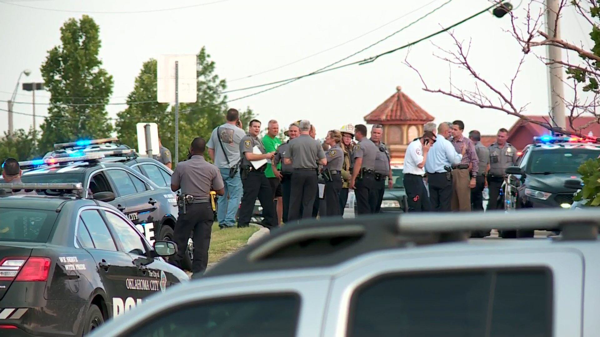 Police in Oklahoma City investigate a shooting on May 24, 2018, at a restaurant in Oklahoma City, Oklahoma. (Credit: KFOR via CNN)