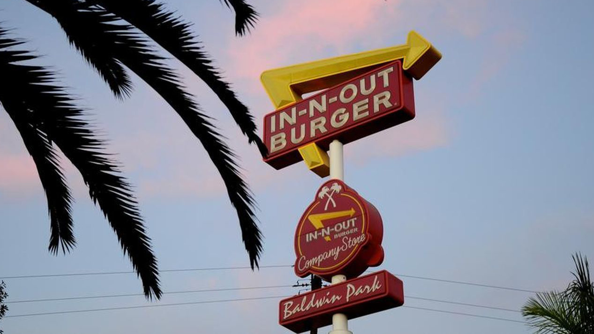 For many Californians, In-N-Out has long stood as a proud and iconic symbol of the Golden State. (Credit: Christopher Reynolds / Los Angeles Times)