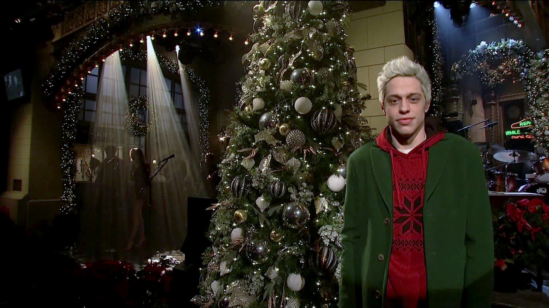 Davidson on the December 15 episode of Saturday Night Live. (Credit: NBC/Broadway Video via CNN Wire)