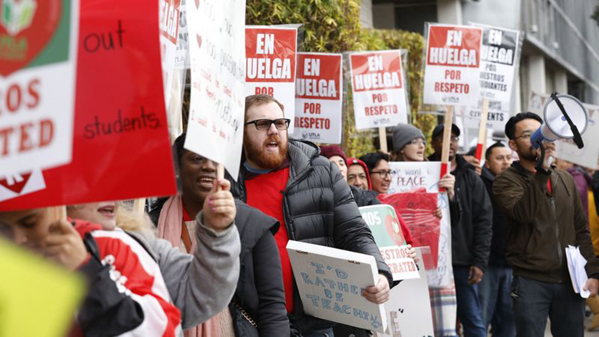 Teachers at the Accelerated Schools, a network of charter schools in South Los Angeles, picket on Jan. 15, 2019. (Credit: Al Seib / Los Angeles Times)