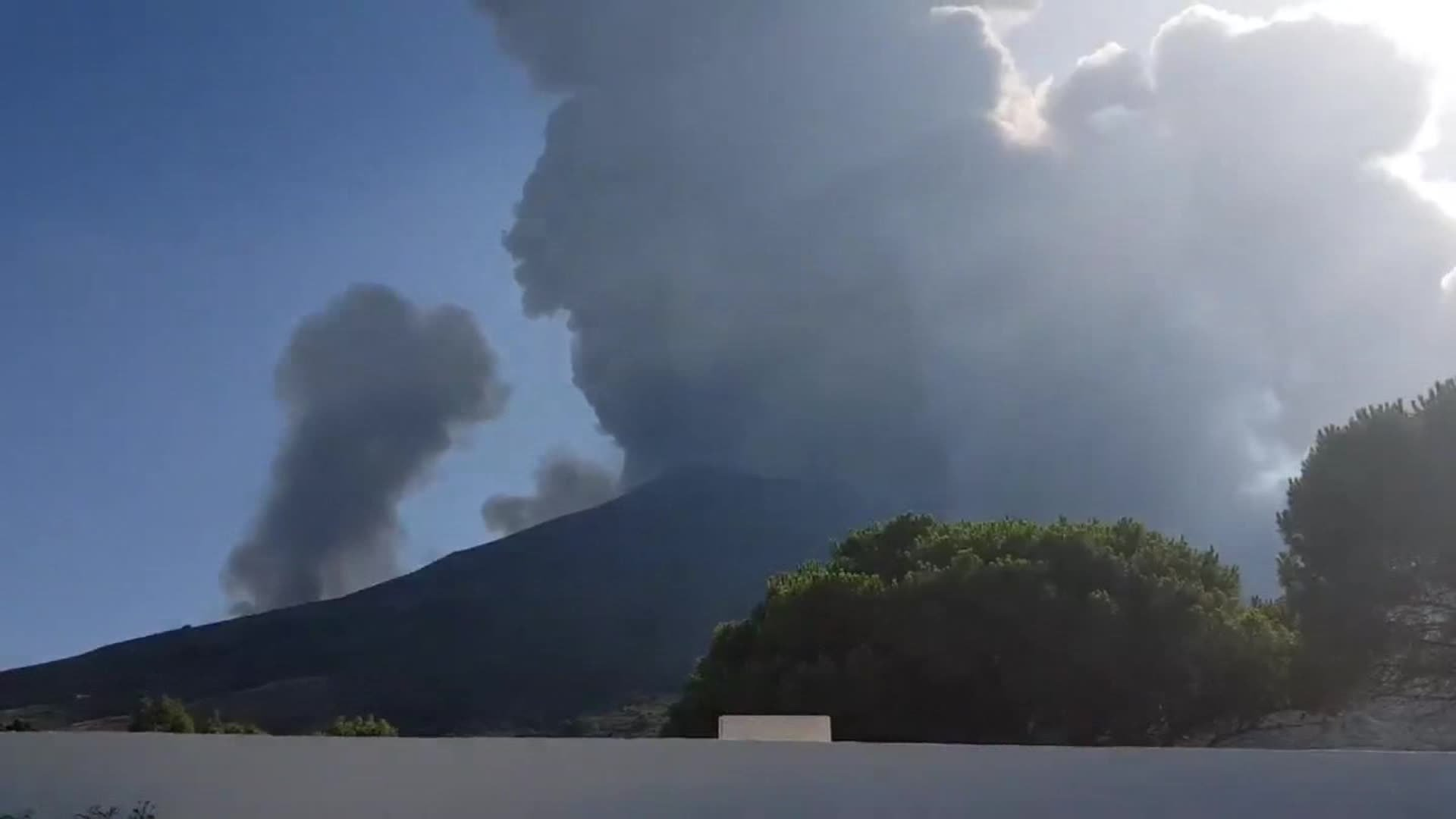 A volcanic eruption occurred on the Italian island of Stromboli on Wednesday afternoon. (Credit: Demi Cerveau)