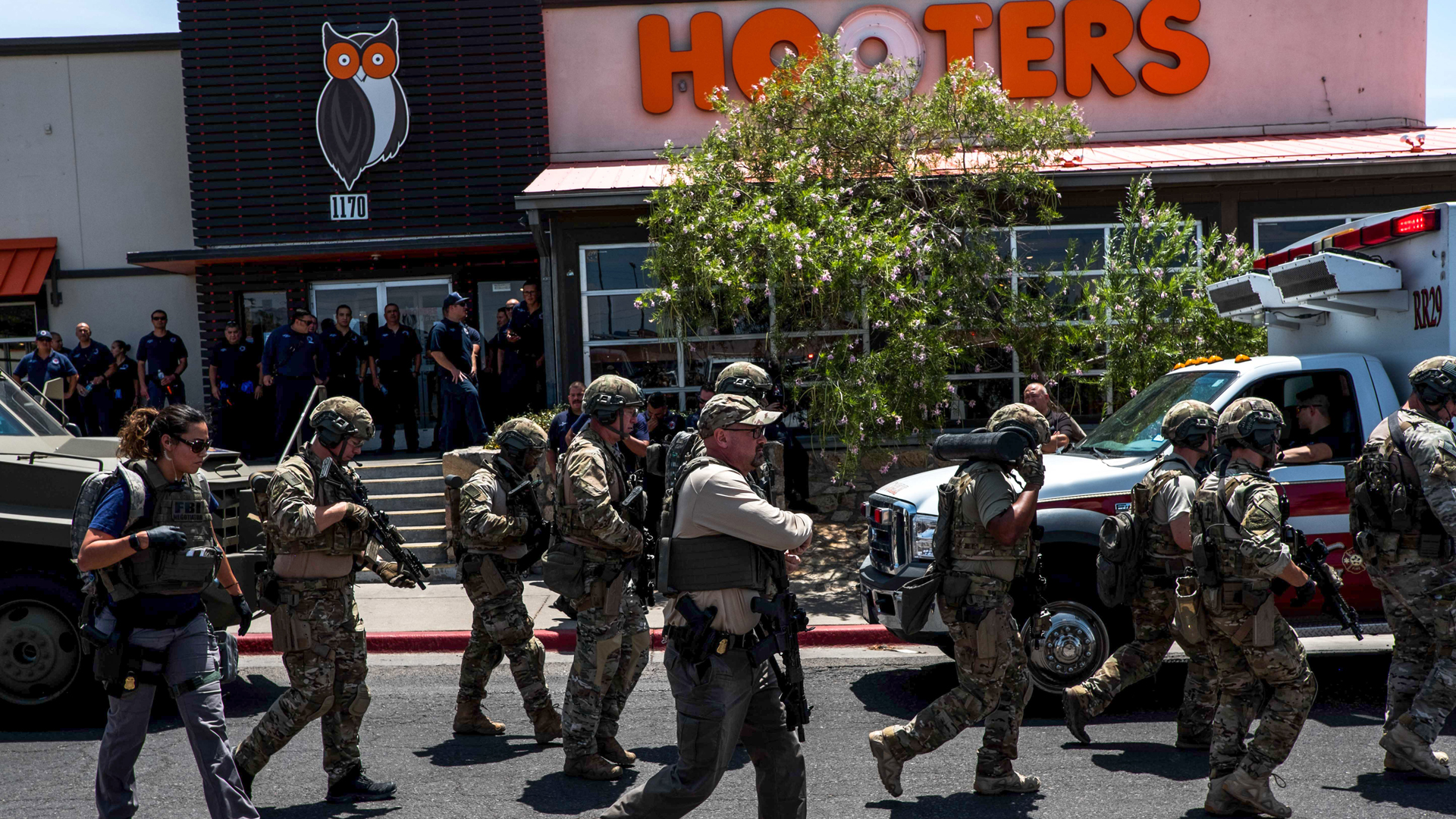 Law enforcement agencies respond to an active shooter at a Walmart near Cielo Vista Mall in El Paso, Texas, on Aug. 3, 2019. (Credit: Joel Angel Juarez/AFP/Getty Images)