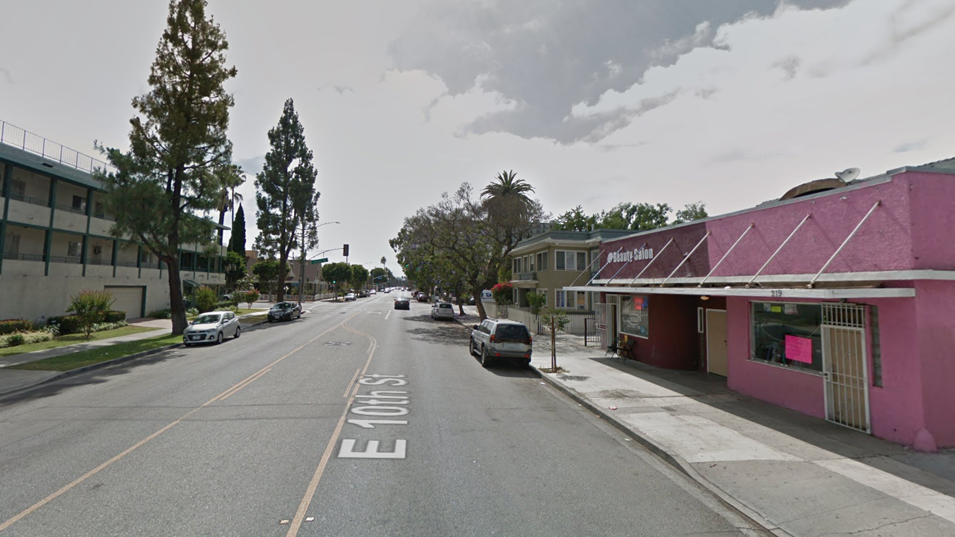 An area of the 200 block of East 10th Street in Long Beach appears in an image from Google Maps.