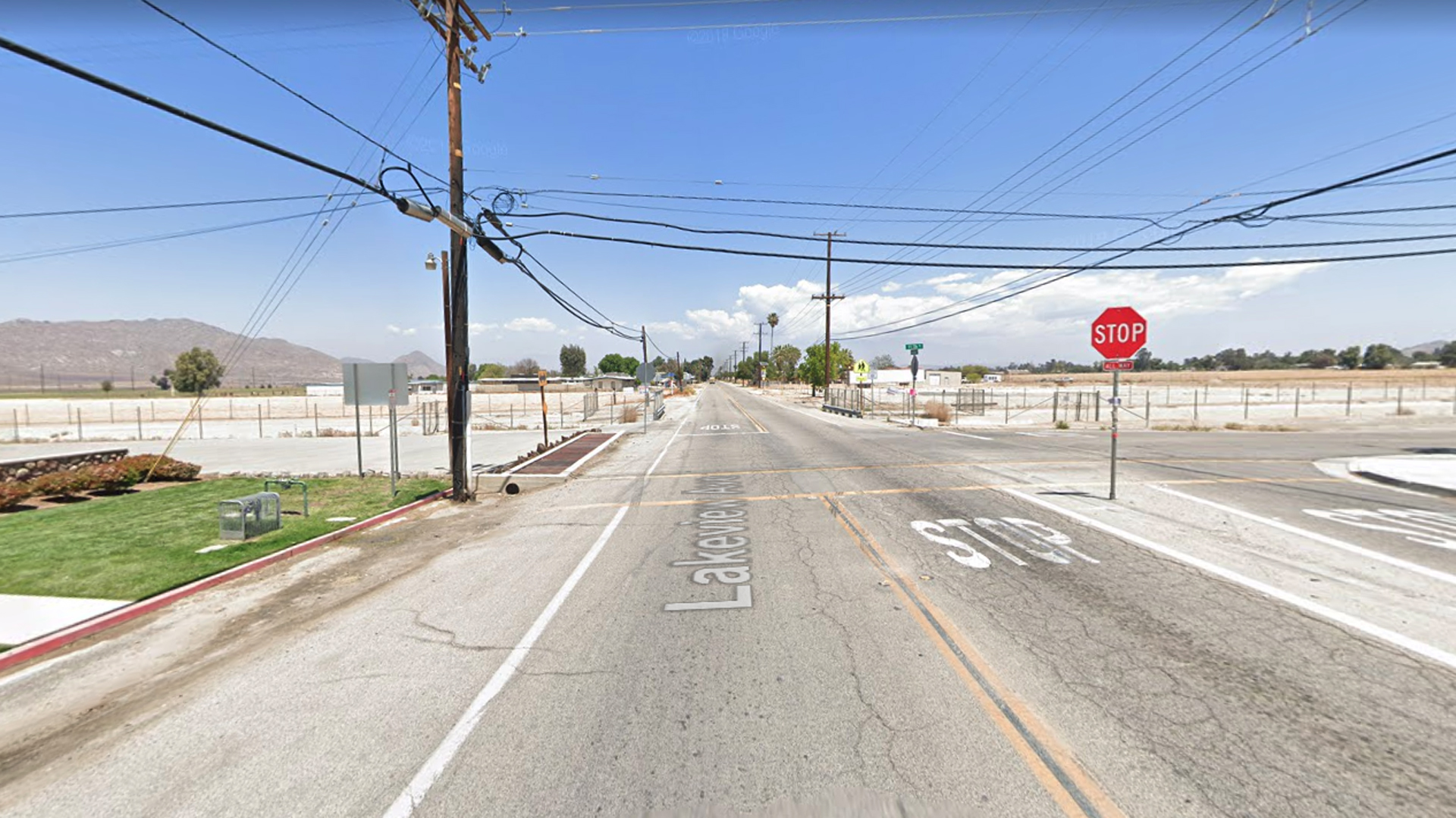 The intersection of Lakeview Avenue and 11th Street in Nuevo, as viewed in a Google Street View image.