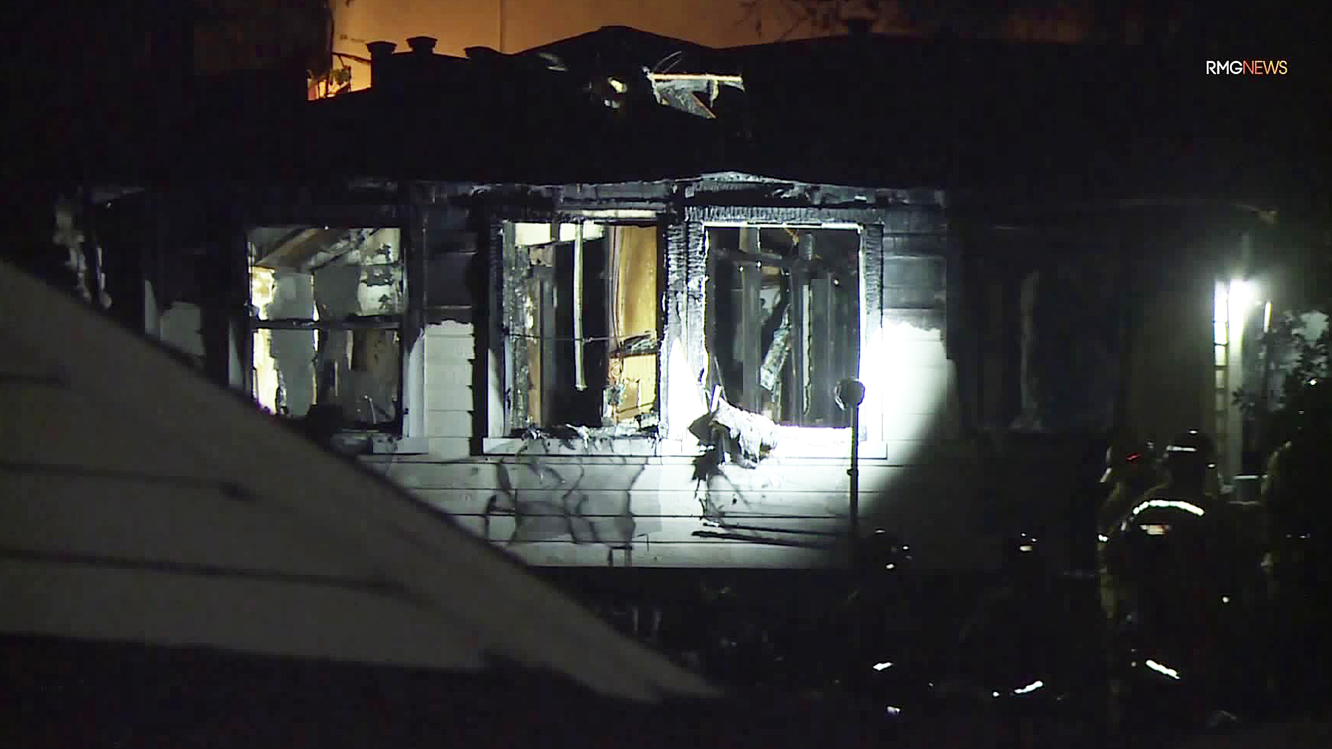 An investigation is underway into a fatal house fire in La Cañada Flintridge on Nov. 18, 2019. (Credit: RMG News)