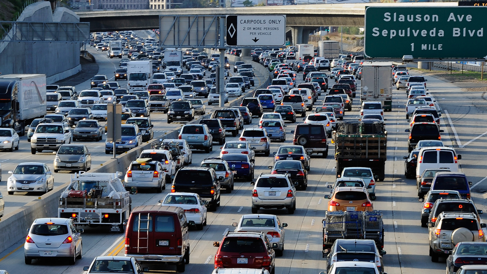 Traffic comes to a halt on the northbound and the southbound lanes of the 405 Freeway near LAX on Nov. 23, 2011. (Credit: Kevork Djansezian/Getty Images)