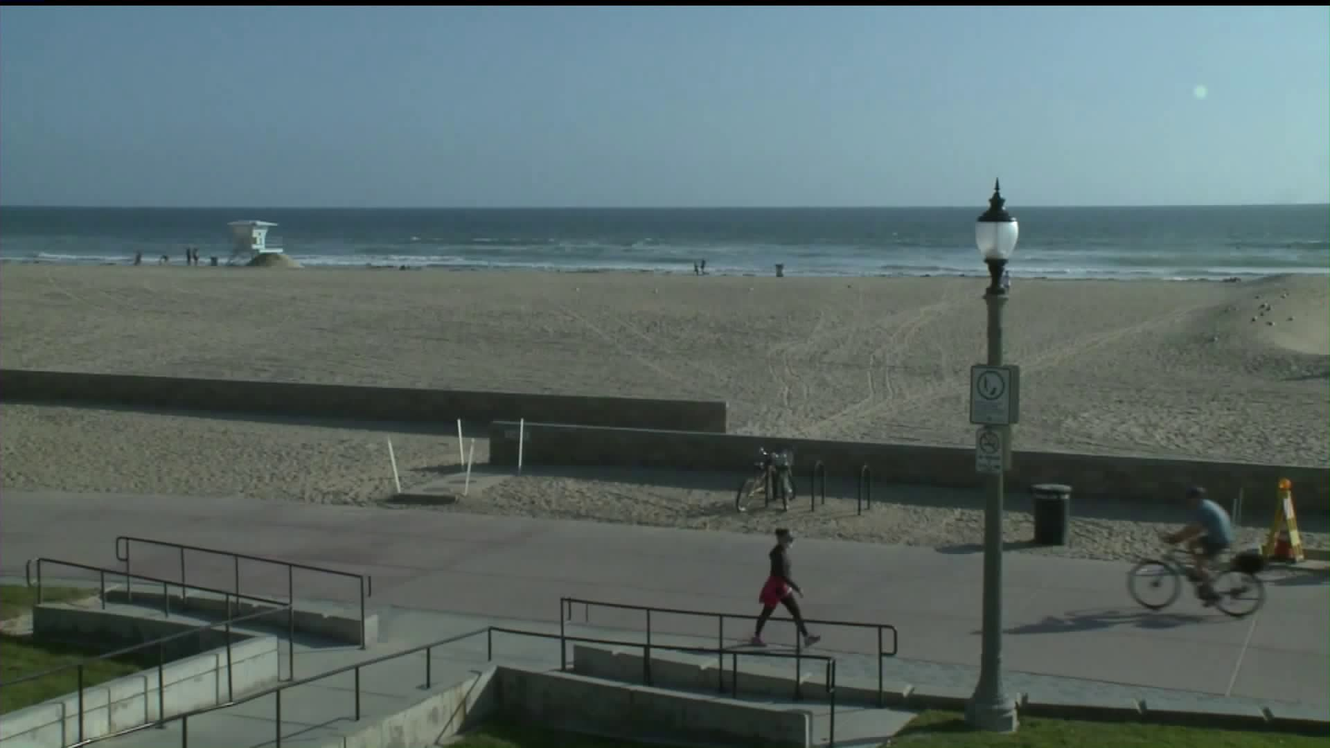 Huntington Beach remained open to the public as many other area beaches were closed amid the COVID-19 pandemic on April 3, 2020. (KTLA)