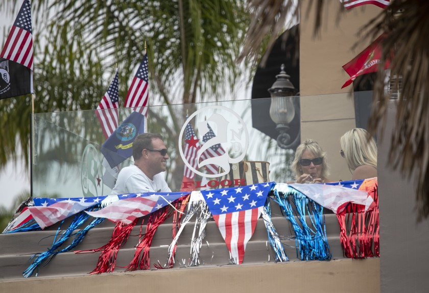 Patrons dine at 2nd Floor on Main Street on Wednesday in Huntington Beach. (Allen J. Schaben / Los Angeles Times)