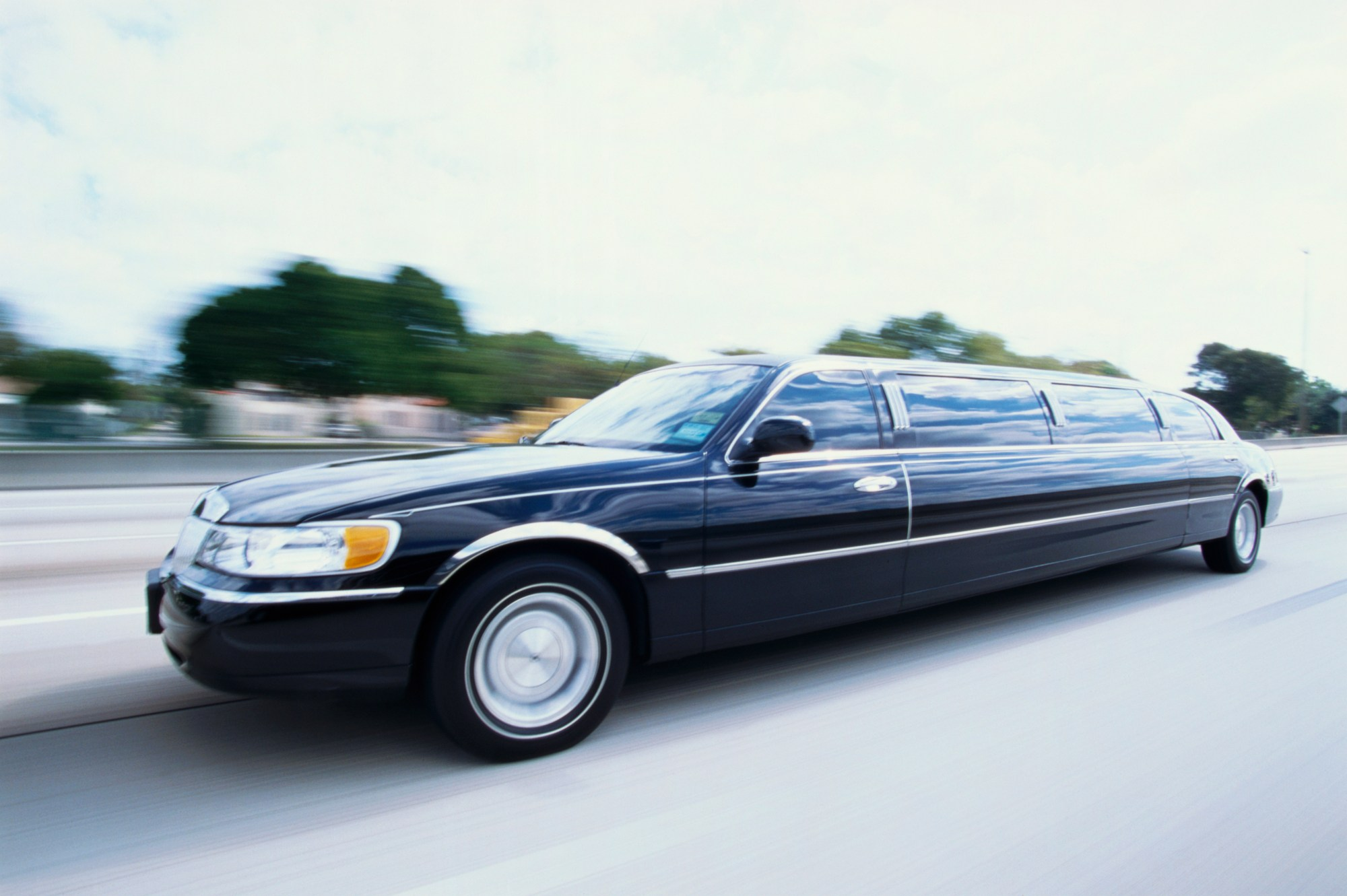 A file photo shows a black stretch limo. (Getty Images)