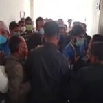 दमक मालपोतमा घुस लिएको भिडियो खिचेका पत्रकार घिमिरेलाई कर्मचारीले कुटे