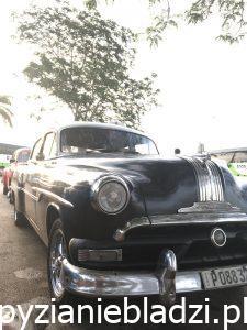 Piękny, kubański samochód.