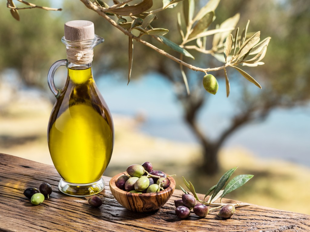 Olive oil (in moderation if high salicylates and amines affect you, full of antioxidants and vitamin E)