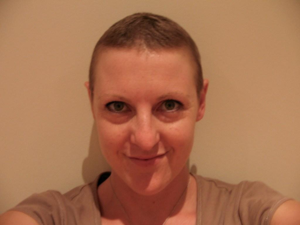woman mum partner cancer breastcancer hair lose hair