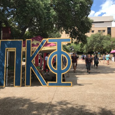 Texas State recruits new Greek members in the quad