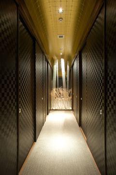 会広間中廊下(引戸を外すと94席の大広間になります)